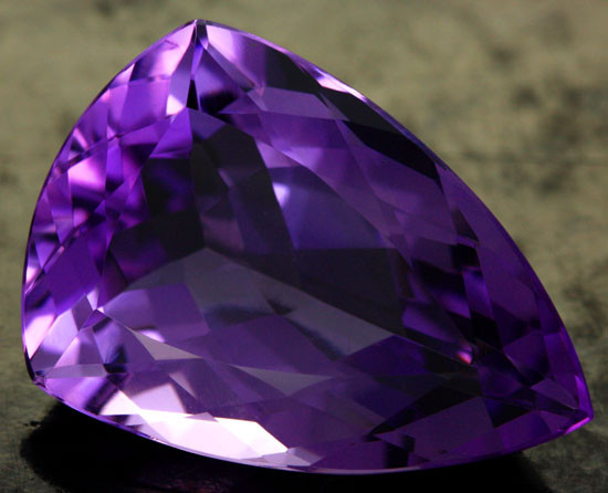 31.41 CTS VS AMETHYST - DEEP RICH PURPLE COLOUR [S7529]