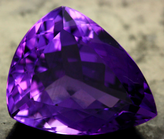 39.51 CTS CERTIFIED NATURAL VS AMETHYST - DEEP RICH PURPLE COLOUR [S7535]