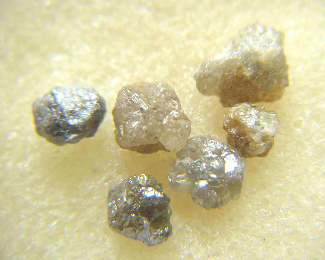 NATURAL FANCY COLOUR DIAMOND ROUGH-6PCS-8CTWLOT,NR