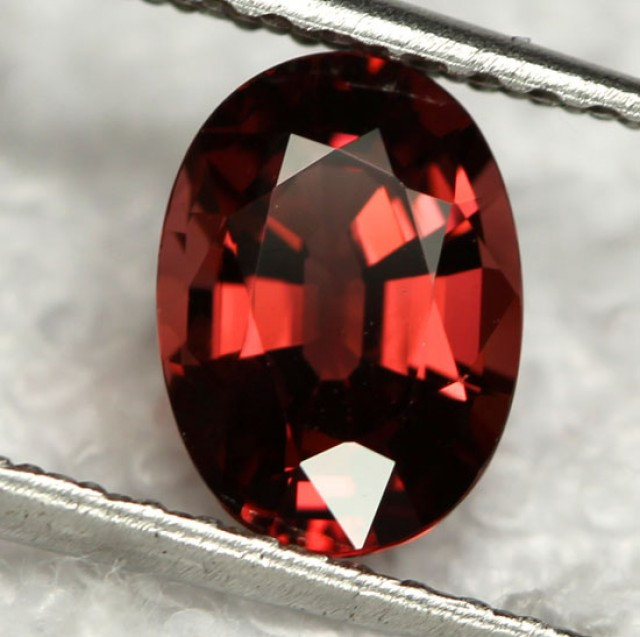 RHODOLITE GARNET   RED /PURPLE  2.16  CTS [S1975]