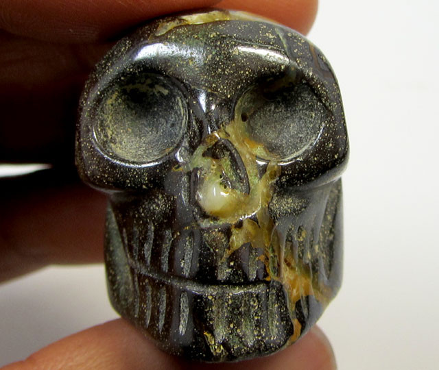 137 CTS PROFESSIONAL CARVED OPAL    GEMSTONE SKULL   RT 2527