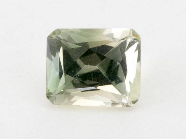 1.7ct Oregon Sunstone, Champagne/Green Rectangle (S71)
