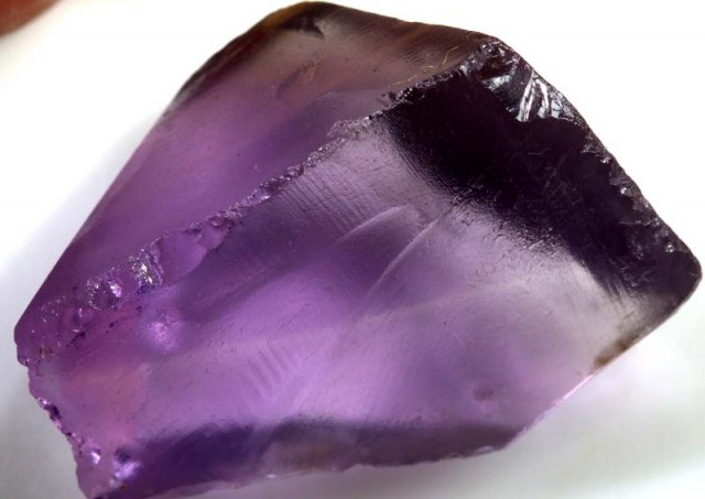 AMETHYST ROUGH  72  CTS  ADG-1094