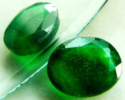 Quartz Emerald Green colour 3.90 carats   QU5