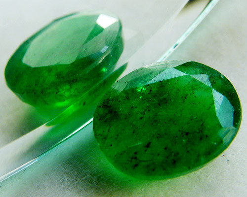 Quartz Emerald Green colour 4.25 carats   QU6