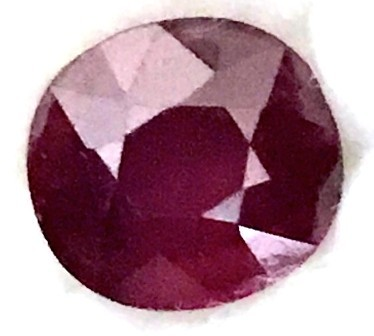 A large 8.1ct Dark Blood Red Faceted Ruby F08