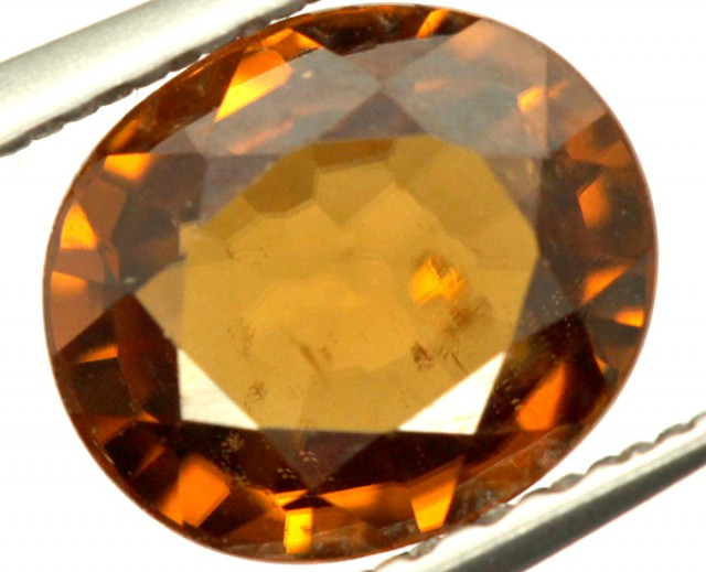GOLDEN ZIRCON FACETED STONE 1.50 CTS PG-849