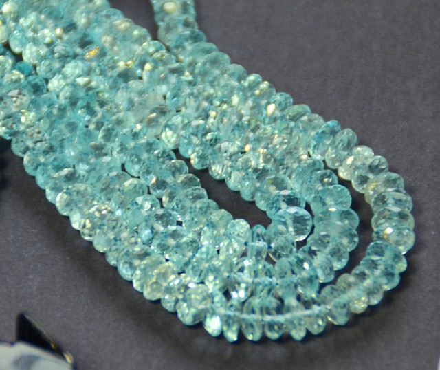 "NEW ARRIVAL 16""  AAA Swiss Blue Topaz faceted Beads 5-6mm"