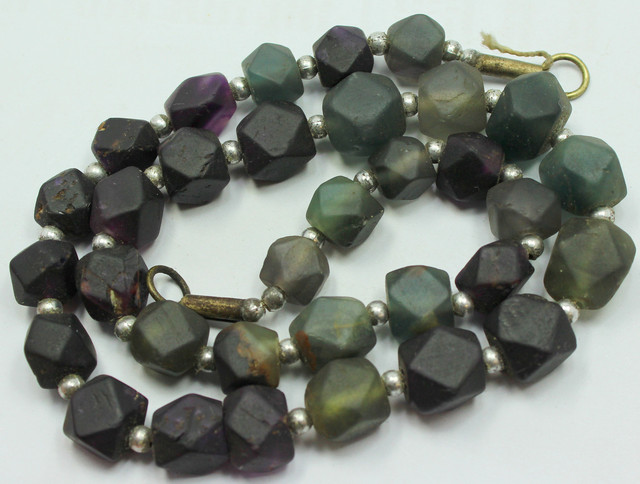 390CTS-1 STRAND FLUORITE BEADS 17 INCH + CLASP
