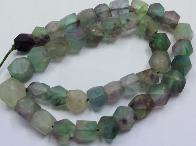 370CTS-1 STRAND FLUORITE BEADS 15 INCH + CLASP