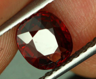 1.29 CTS CERTIFIED RUBY RED SPINEL [SNR3]