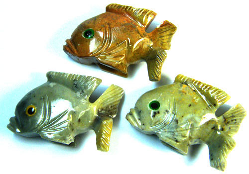 PARCEL 3 CUTE FISH ROCK CARVINGS  FROM PERU       AAA 1033