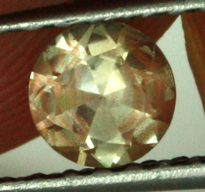 0.39 CTS CERTIFIED OREGON SUNSTONE WITH COPPER [LBO29]