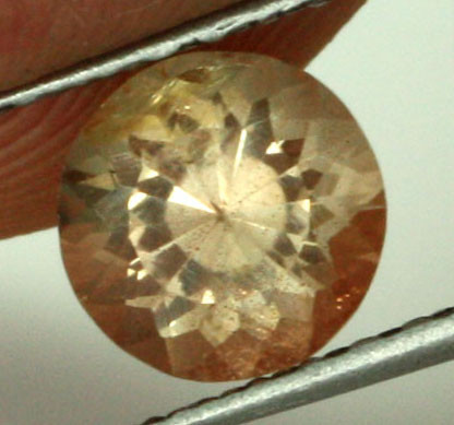0.86 CTS CERTIFIED OREGON SUNSTONE WITH COPPER [LBO39]