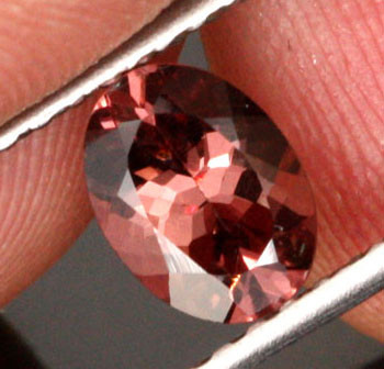 1.21 CTS CERTIFIED CHAMPAGNE COLOUR MALAIA GARNET [GNM1]