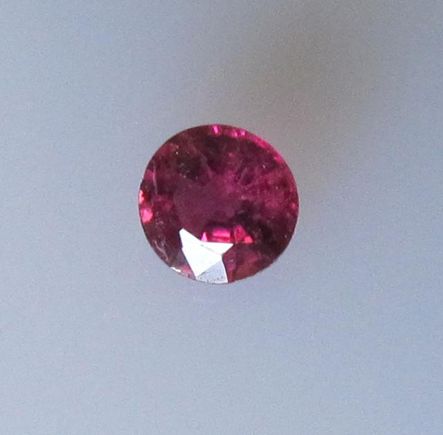 Rubilite Tourmaline Round 3.7mm, 0.25cts