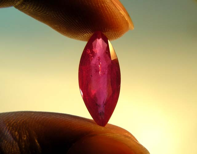 5.92CTS CERTIFIED  MARQUOISE SHAPE  RED RUBY 11850