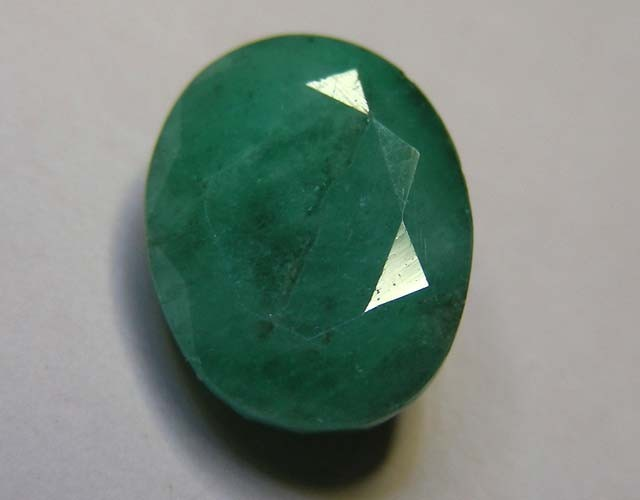 5.79 CTS OVAL FACTED EMERALD  11377