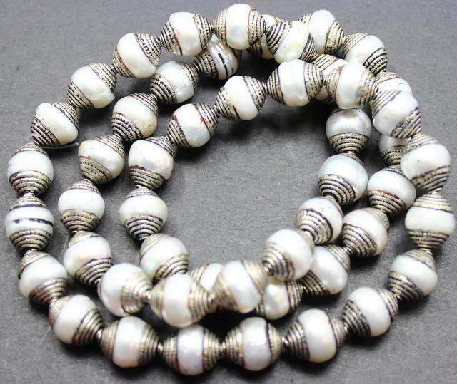 415 CTS NEPAL / AFGHANISTAN STYLE PEARL BEADS STRAND 23 INCH P262