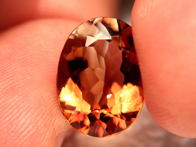 11.31 Carat Topaz, VVS/VS Natural South American Gemstone