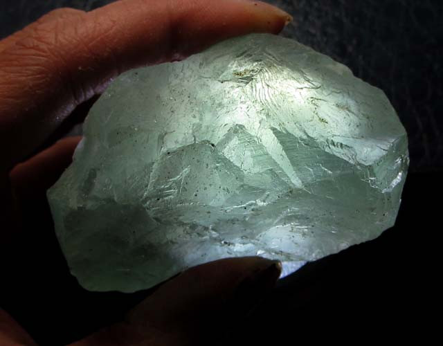 585 CTS NATURAL  FLUORITE ROUGH  MS 1434