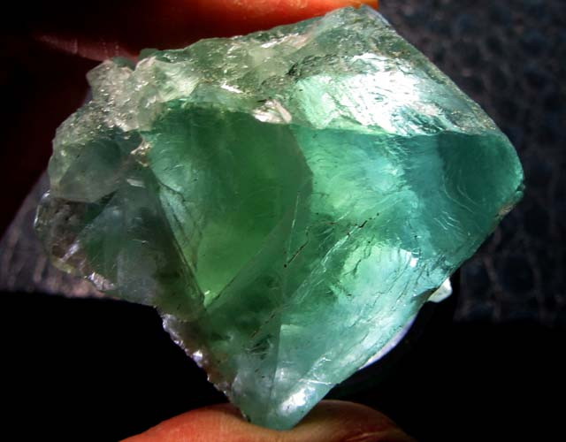 420 CTS NATURAL  FLUORITE ROUGH  MS 1441