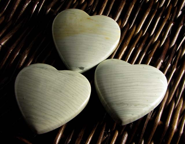 390CTS THREE WAVE HEART JASPER BEADS  MS 1458