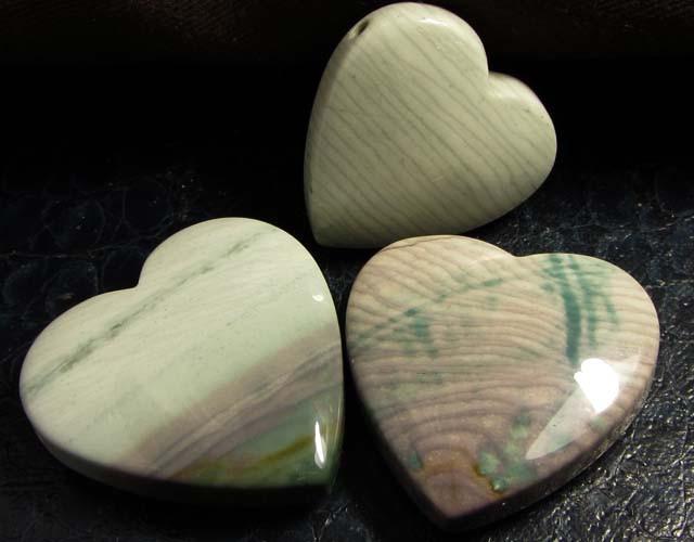 390CTS THREE WAVE HEART JASPER BEADS  MS 1359
