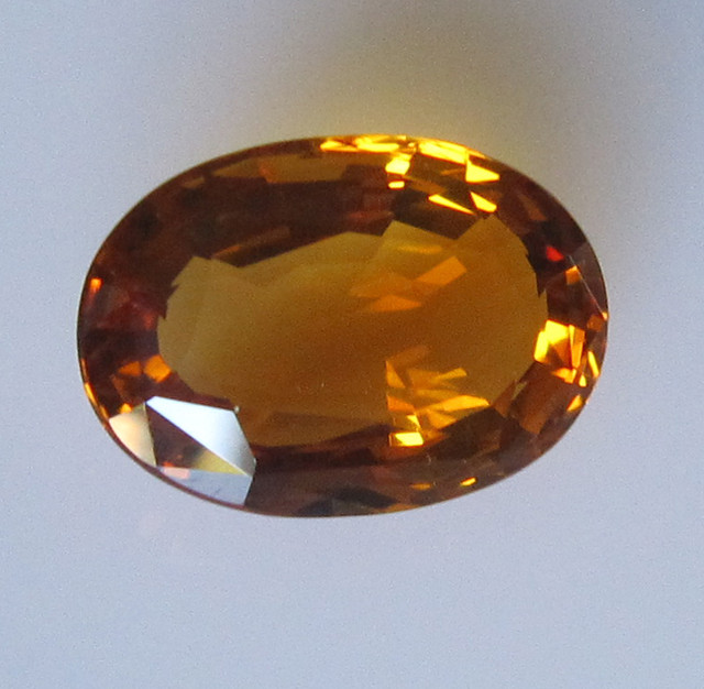Maderia Colour Citrine, Oval Shape, 5.58cts, Super Quality