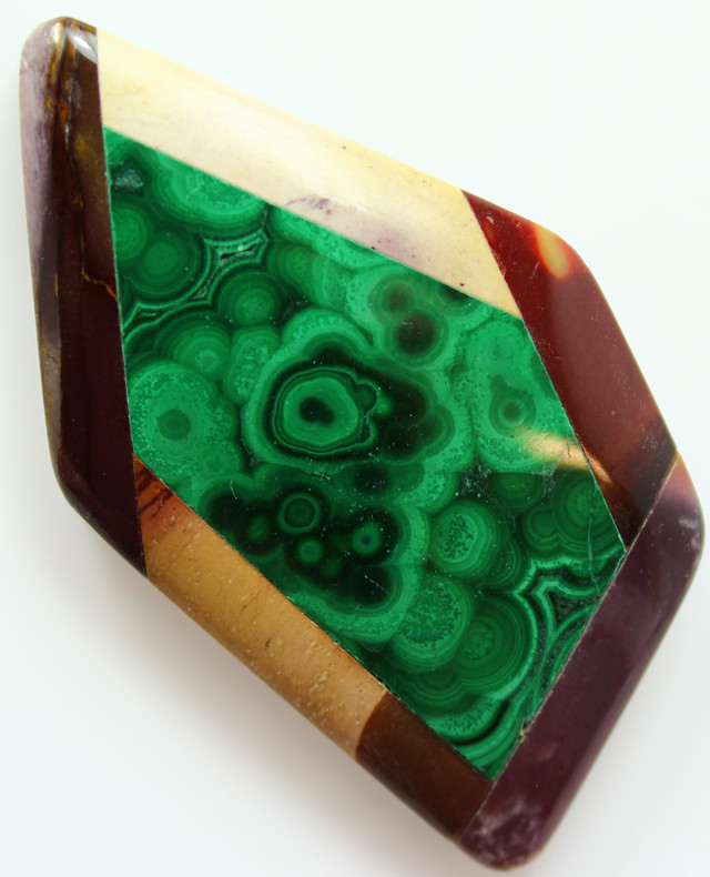 109.30 CTS INTARSIA MALACHITE EYE LIKE RINGS MOOKAITE SIDES