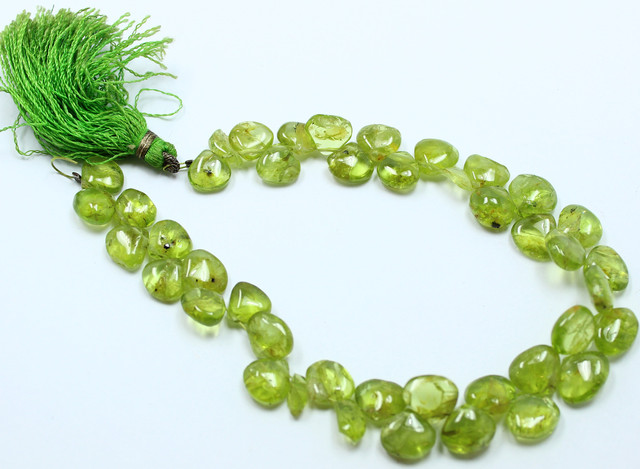 88 CTS PERIDOT NATURAL STRAND OF BEADS 40 STONES