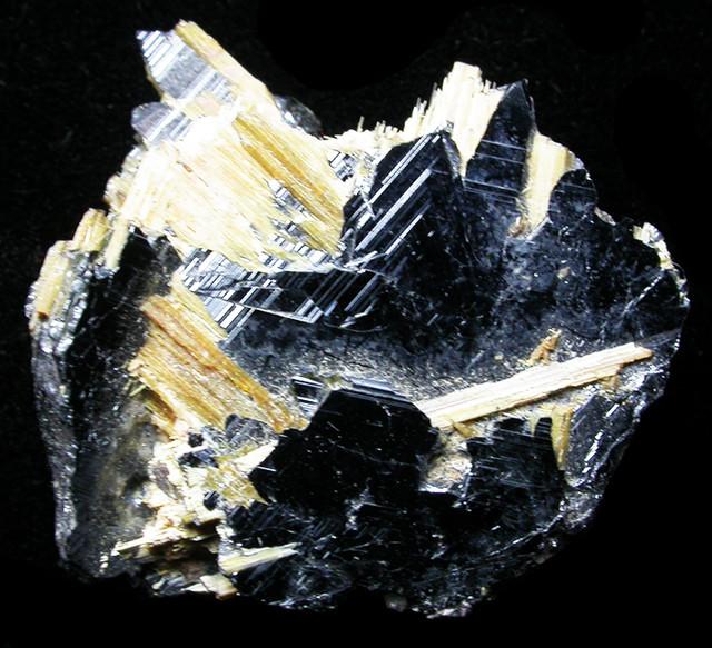 Rough hematite stone
