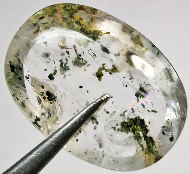 33.64 CTS QUARTZ WITH MICA  EYE INCLUSIONS [ST7513]