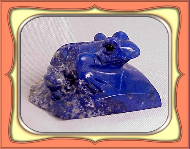 ** 603.0ct Large Afganistan Royal Blue Lapis Frog Carving **