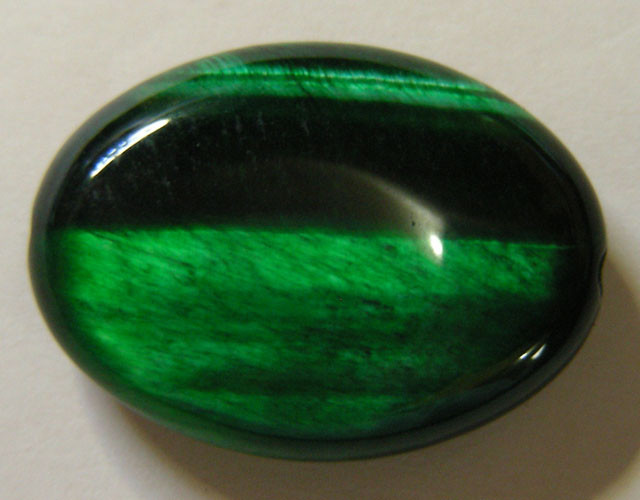 24 CTS TIGERS EYE DYED GREEN 11294