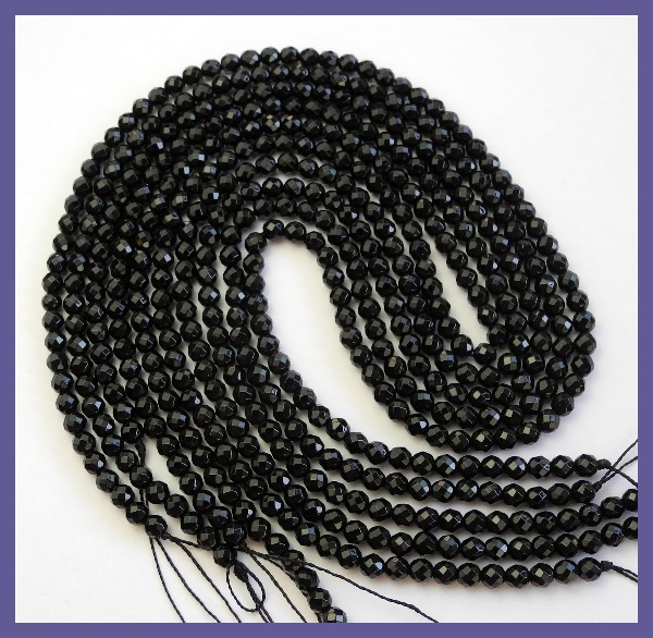 BEAUTIFUL AAA 4.00MM DYED BLACK ONYX FACETED ROUND BEADS!!