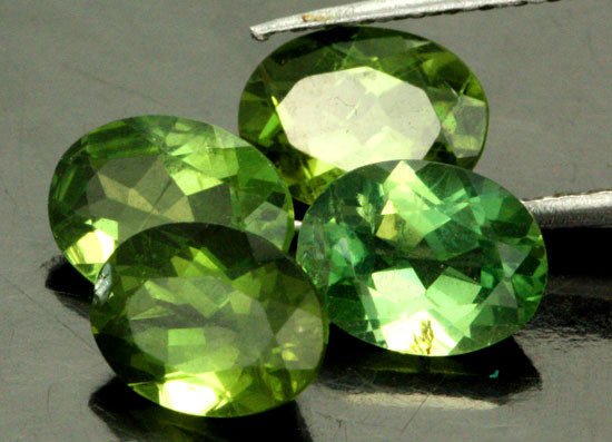 4.83 CTS PARCEL OF 4 NATURAL APATTIE - YELLOW GREEN [SB903]