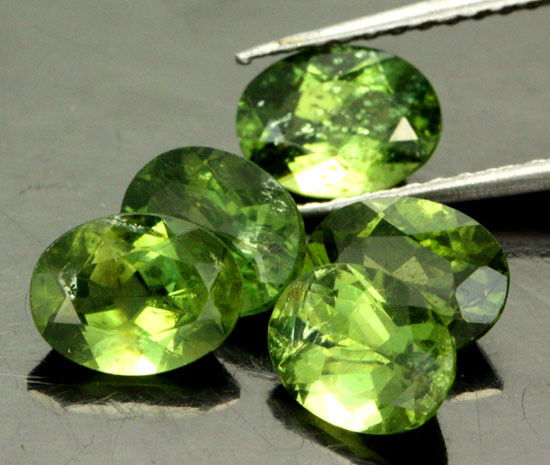 6.24 CTS PARCEL OF 5 NATURAL APATTIE - YELLOW GREEN [SB904]