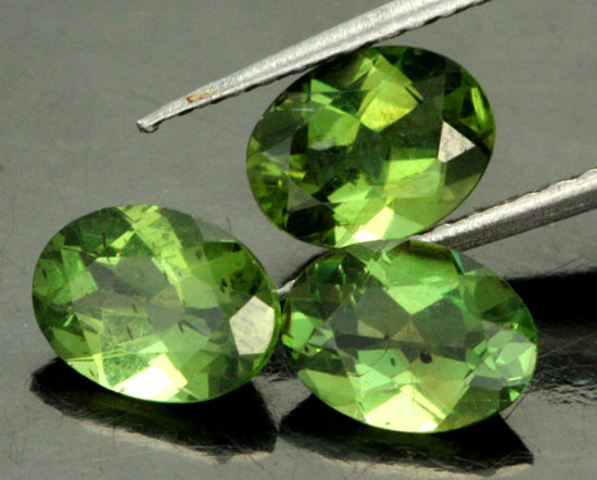 3.36 CTS PARCEL OF 3 NATURAL APATTIE - YELLOW GREEN [SB905]