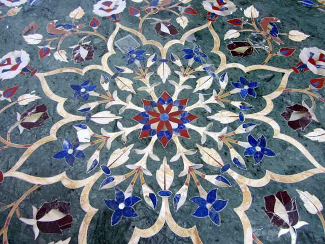 Brand-new HUGE GREEN 120 cm BEAUTIFUL MARBLE TABLE INLAID GEMS VC02