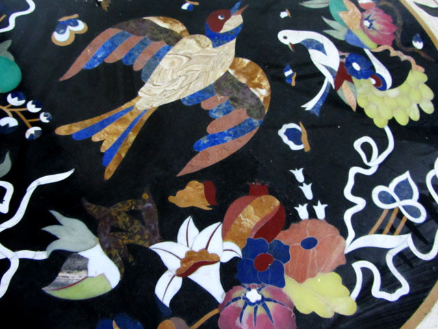 BIRD /ELEPHANT 120 cm  BEAUTIFUL MARBLE TABLE  INLAID GEMS