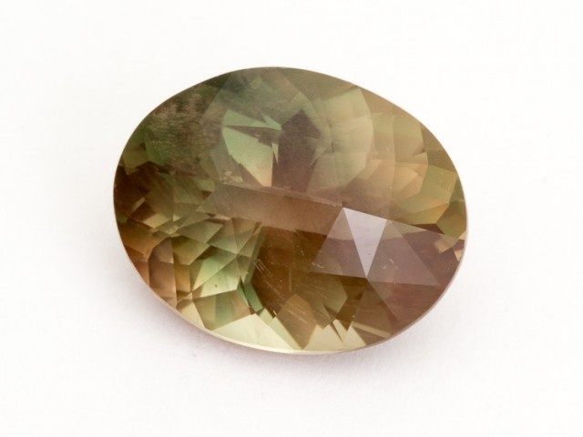 8.2ct Oregon Sunstone, Green/Gold Oval (S589)