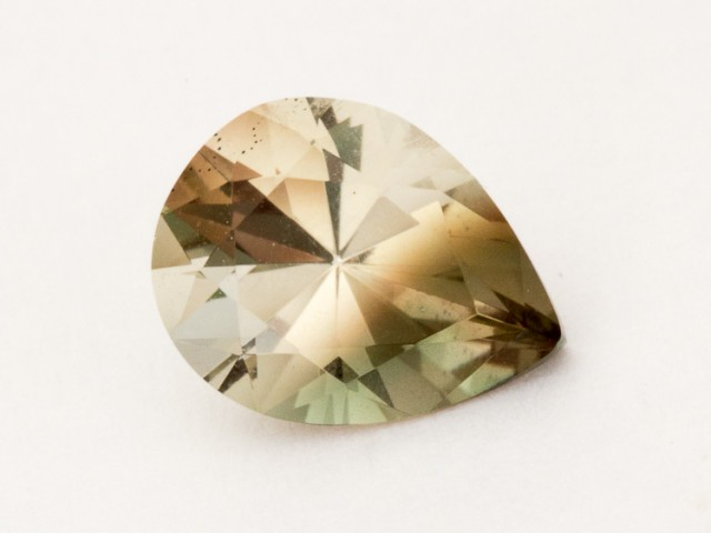 1.6ct Oregon Sunstone, Bicolor Champagne Pear (S683)