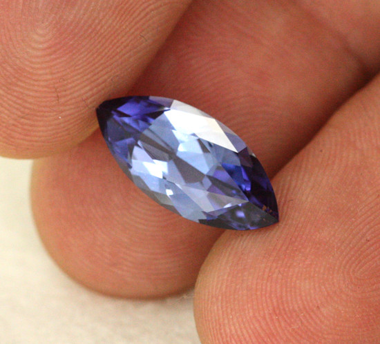 3.73 CTS VVS CERTIFIED TANZANITE STONE - EXCELLENT [ZST299]