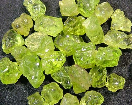 PERIDOT ROUGH (PARCEL) 25 CTS FN 1565 (LO-GR)