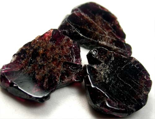 GARNET  SLICES FOR BEADS  68 CTS [MGW1343 ]