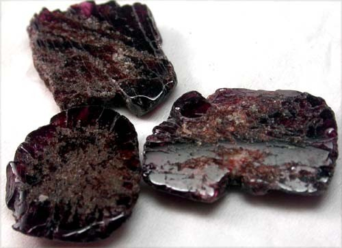 GARNET  SLICES FOR BEADS  68 CTS [MGW1365 ]