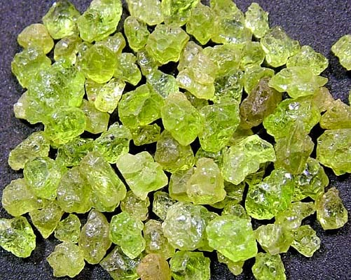 PERIDOT ROUGH (PARCEL) 50  CTS FN 1730 (LO-GR)