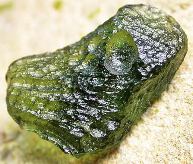 13.56 CTS GREEN MOLDAVITE   NATURAL   [MGW3321]