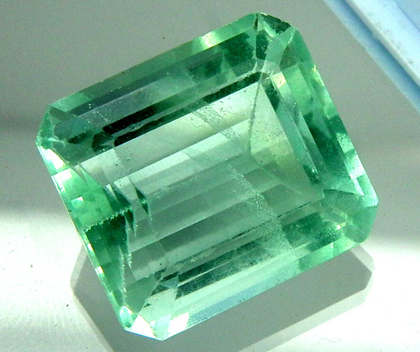 FLOURITE GREEN UNTREATED 37 CTS AS-AB168
